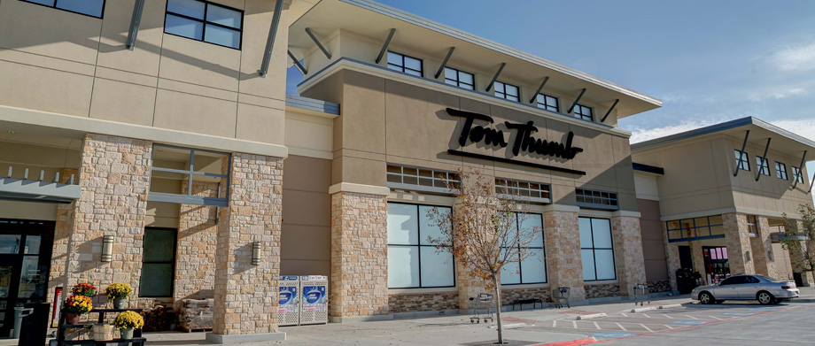 Tom Thumb Exterior, Slide